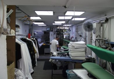 What are the benefits of dry cleaning services?
